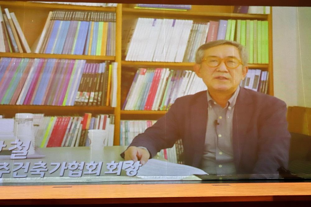 1 개막식8-예술상 반상철(건축) 이옥란(무용) (1).jpg